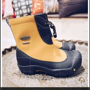 Yellow Keen boots